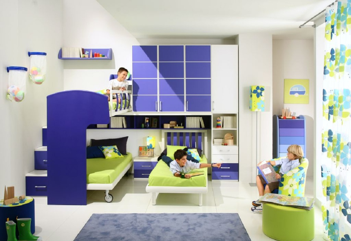Picture of: A Bed For Three Children Models In One Small Room Tips On Choosing