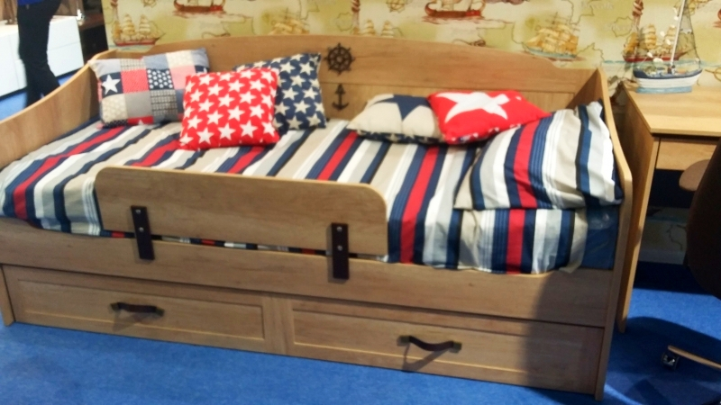 Kinderbed banken voor jongens foto s kleine sofa s in de