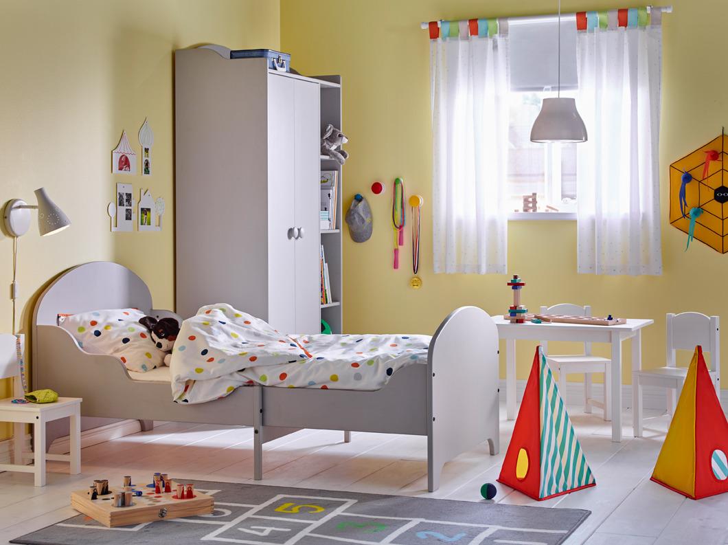 748b0792d9f Στο κατάστημα δεν υπάρχει απαγόρευση να καθίσετε στον καναπέ που σας αρέσει  ή να ξαπλώνετε σε ένα μαλακό κρεβάτι. Στο παιδικό τμήμα, τα παιδιά κάνουν  ήσυχα ...