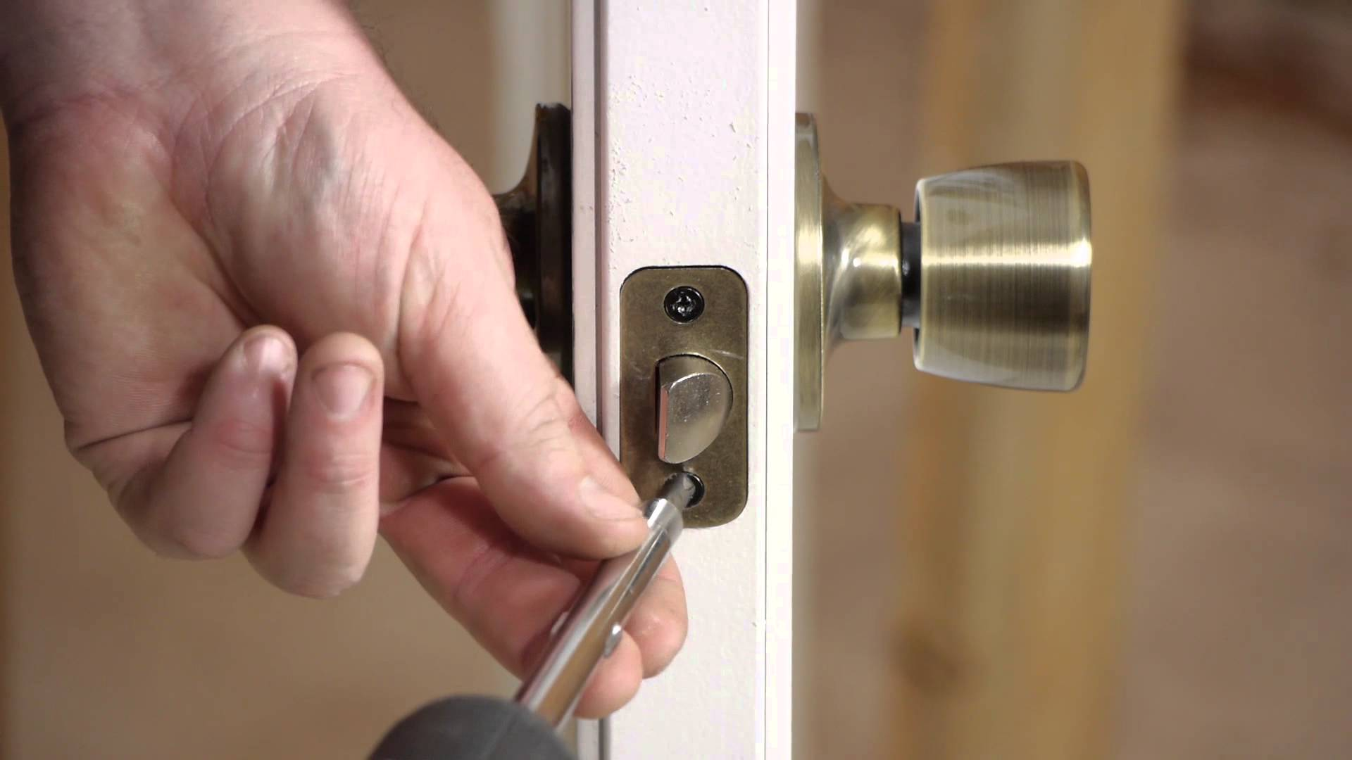 How To Open The Interior Door Lock Without A Key How To Open The Lock If It Is Jammed
