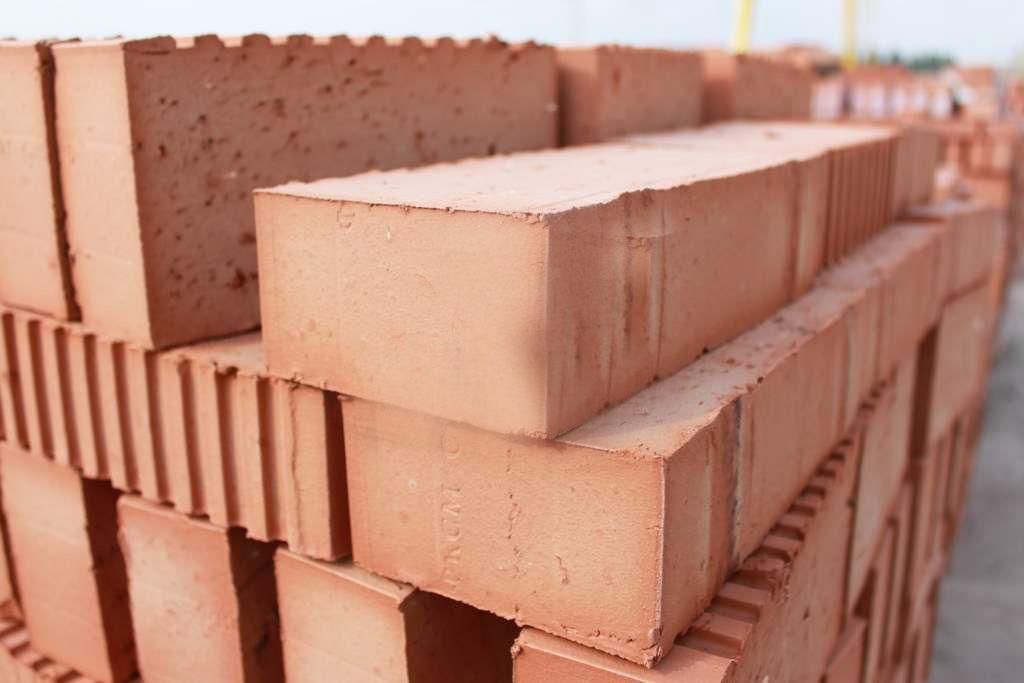 Tégla pillér építése