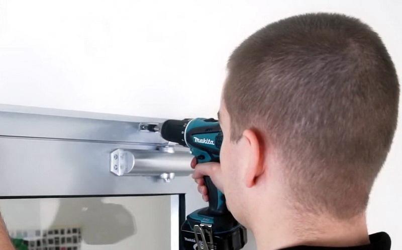 Prima Installera en dörr närmare: hur man installerar en dörr närmare på WP-62