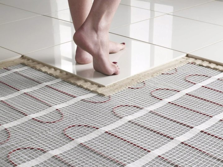 Heated Floor Under The Tile 104 Photos Which Is Better To