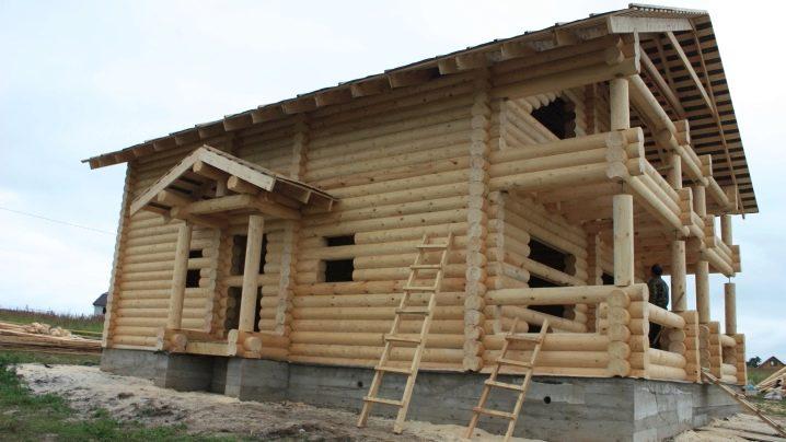 منازل من اللوح 131 صورة بناء مسكن خشبي ومساح لمواد بناء معايرة كيفية البناء من الأخشاب والخشب ذات القطر الكبير