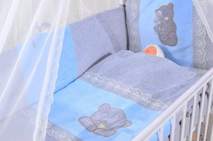 a5f322c9025 Το μέγεθος της κούνιας για νεογέννητα σύμφωνα με το πρότυπο: οι ...